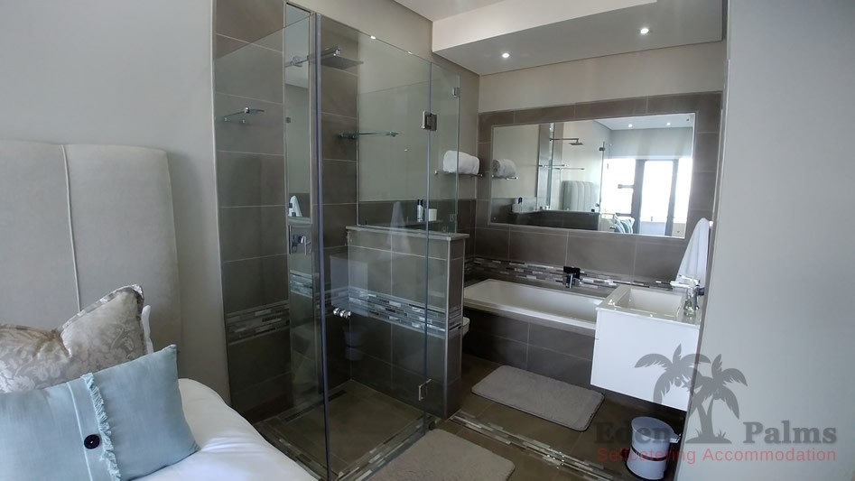 eden-palms-self-catering-accommodation-penthose-suite-bathroom-1